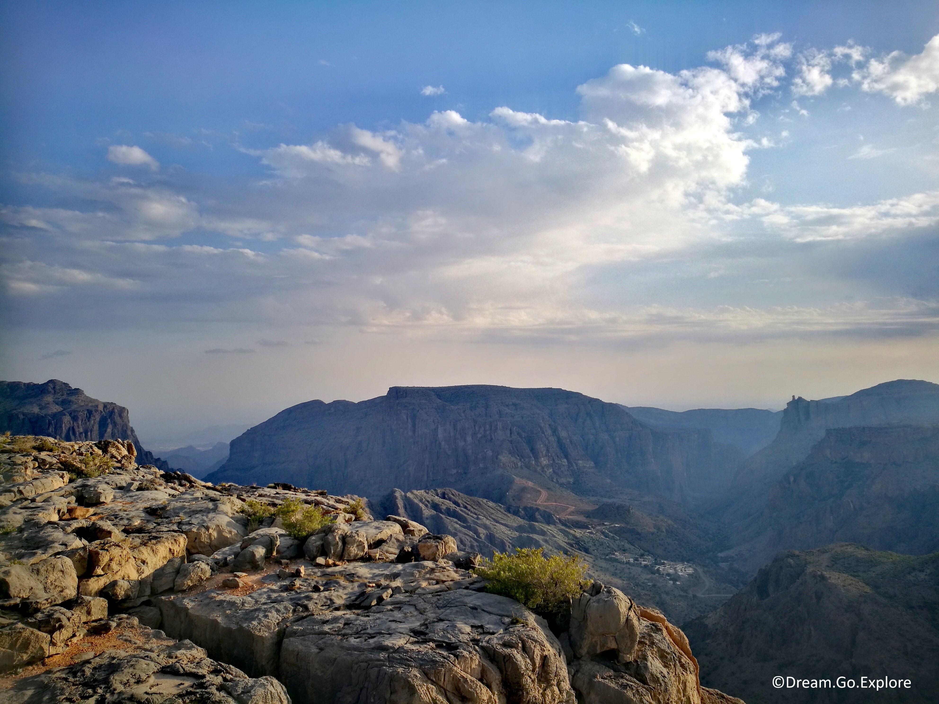 Hike to Wadi Al Bawaardi (Oman) – Wanderung zum Wadi Al Bawaardi (Oman)